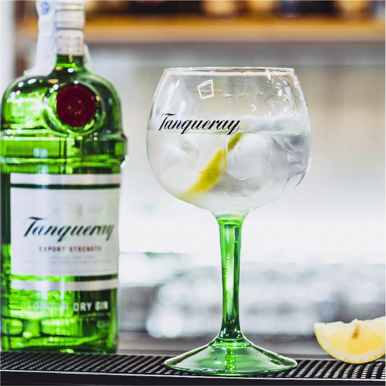 bar_recine_velletri_ristorante_bistrot_enoteca_tabaccheria_cocktail_alcool_pub_barman_pranzo_cena_limone_castelliromani